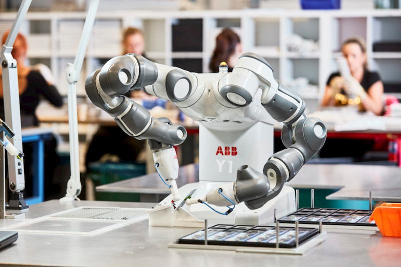 robot-cong-tac-tro-thanh-luc-luong-tien-phong-trong-cuoc-chien-chong-dich-covid